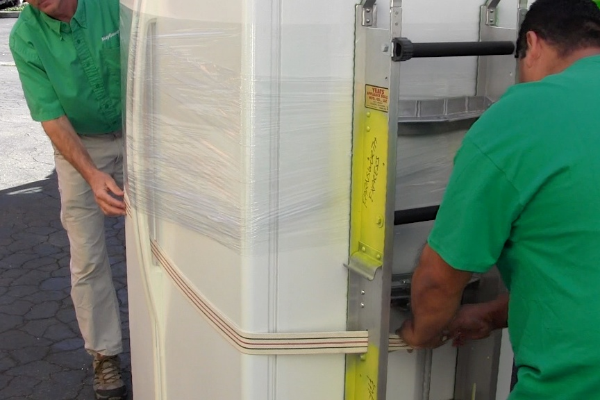how to prepare a refrigerator for a move preferred movers nh. Black Bedroom Furniture Sets. Home Design Ideas