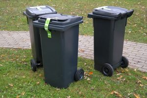 Large plastic garbage bins can be very helpful when packing your garage
