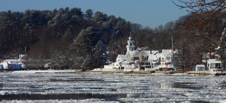 merrimac river in the winter