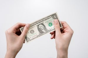 A money bill as a sign of hidden costs of hiring unprofessional corporate movers